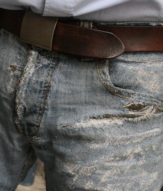 Poppige Variante angezogen Bund und Seitentasche